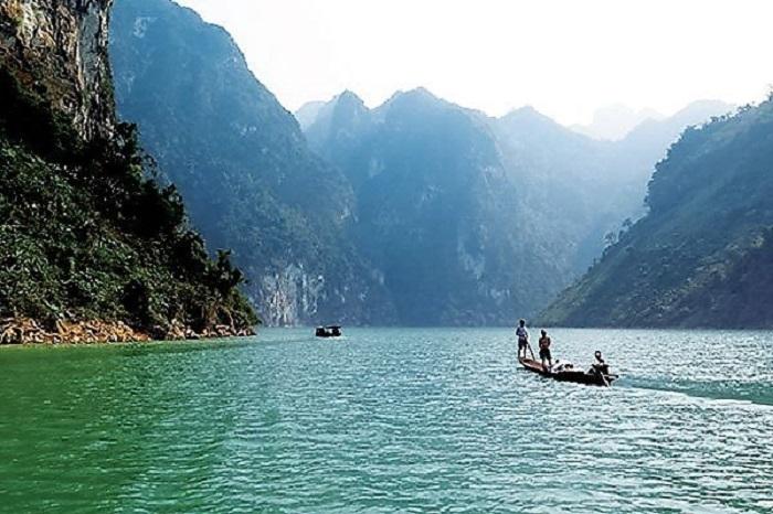 Con sông Đà thơ mộng, trữ tình