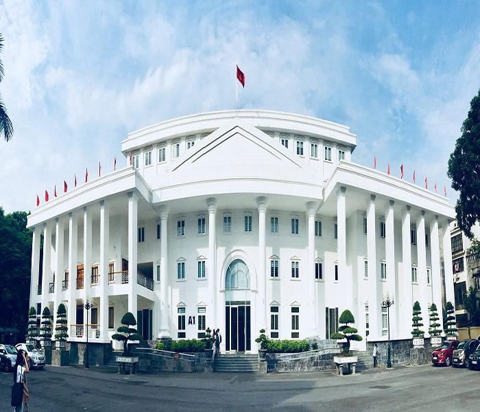 Khuôn viên Đại học Hà Nội khang trang, rộng rãi