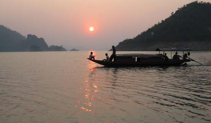 """Người lái đò sông Đà – chất """"vàng mười"""" của thiên nhiên và con người Tây Bắc"""